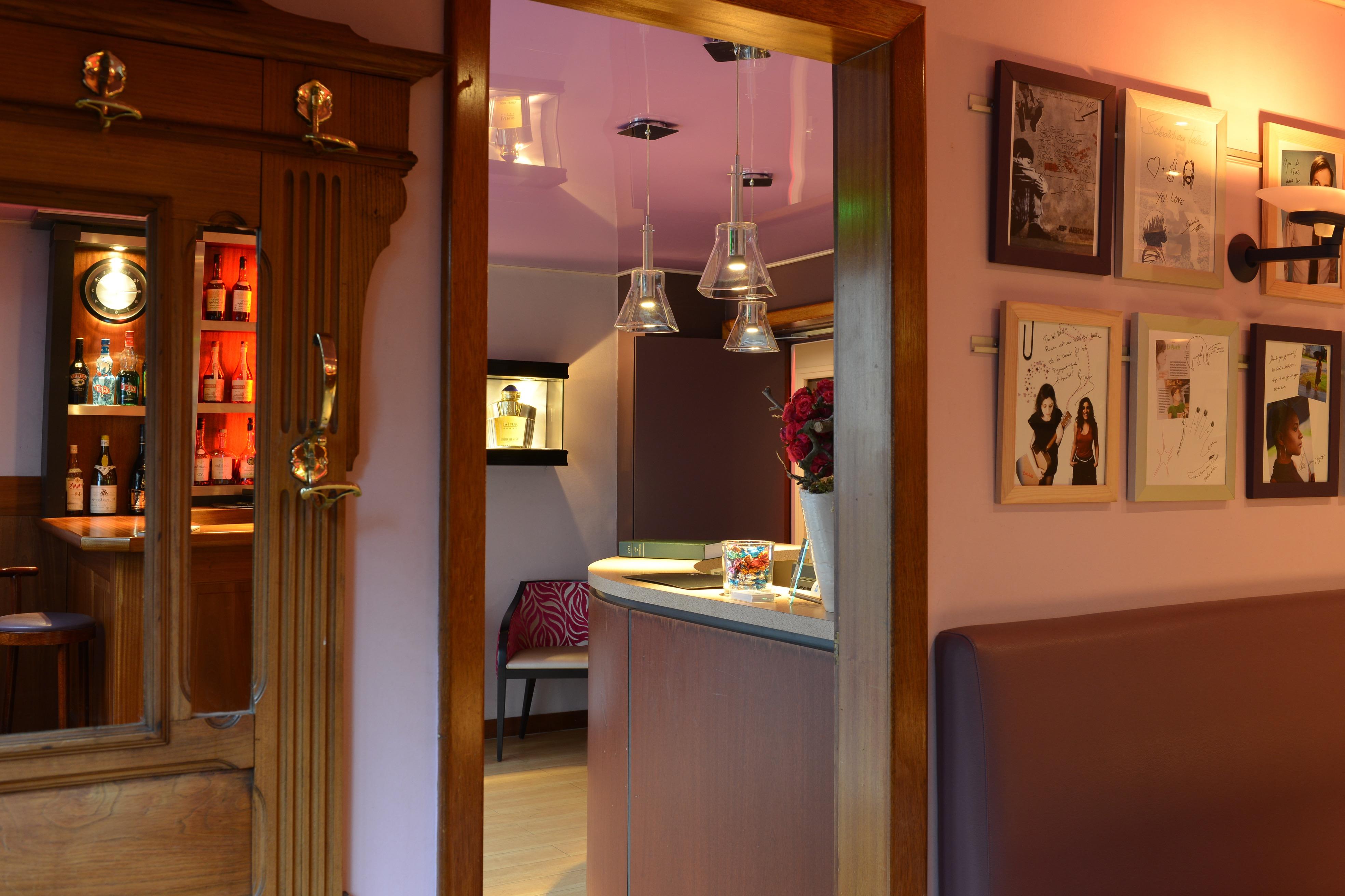 bars et caf s rouen commerce et boutique vitrines de rouen. Black Bedroom Furniture Sets. Home Design Ideas